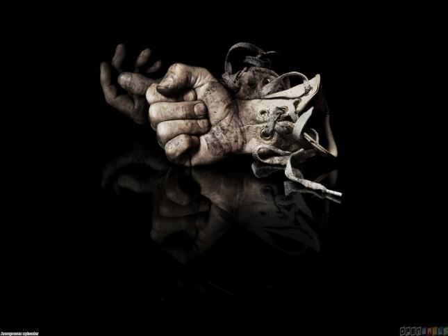 http://openwalls.com/image/17699/artistic_gloves_1400x1050.jpg